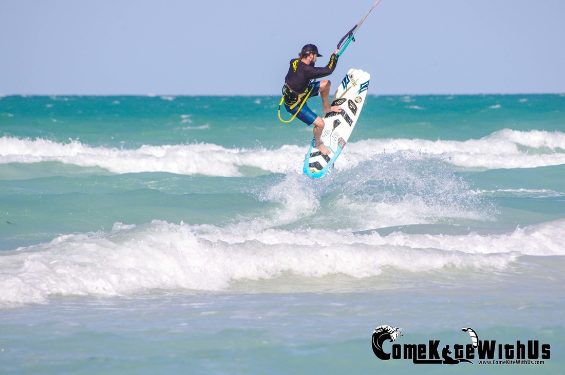 ComeKiteWithUs kiteboard kitesurf lessons El Cuyo Mexico  strapless air