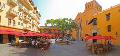 Colonial town of Cartagena Colombia kitesurfing kiteboarding comekitwithus guide tips and map beaches windy trip safari
